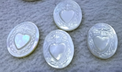 6pcs Genuine Pearl Shell cameo bead, vintage Japan, white handcarved flat oval egg 15x22mm heart carved cabochon
